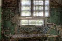 Bett unter dem Fensterplatz